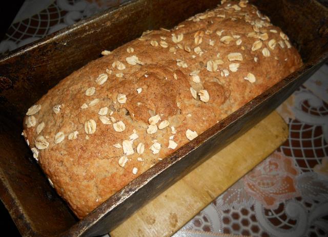 Хлеб в металлической форме