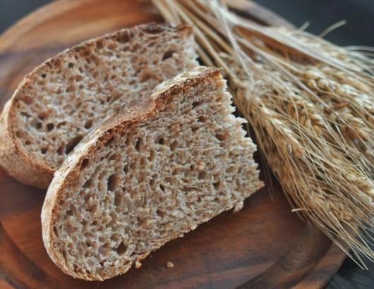 Хлеб с отрубями и овсяные колоски