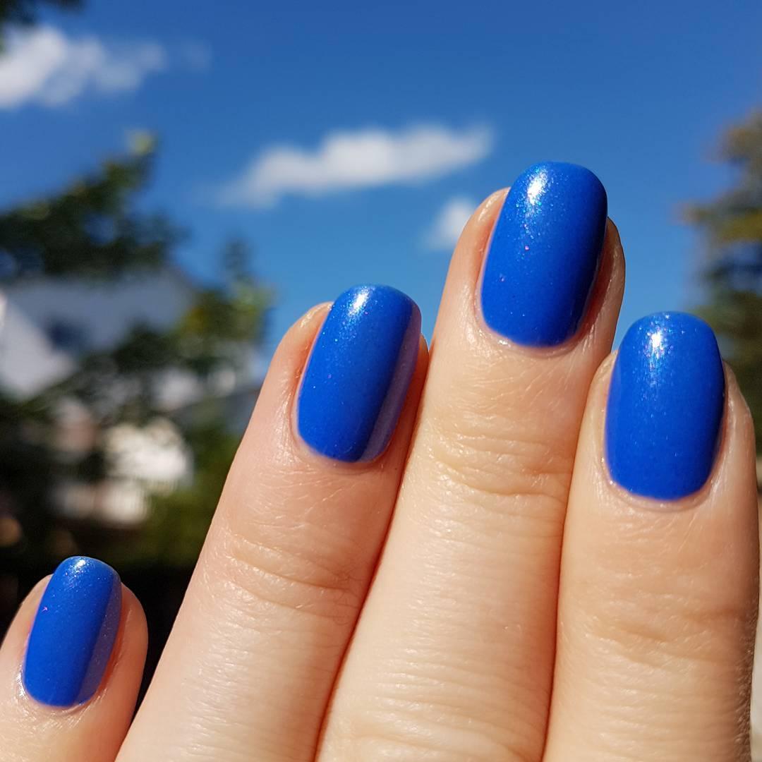 Ногти яркого цвета фото