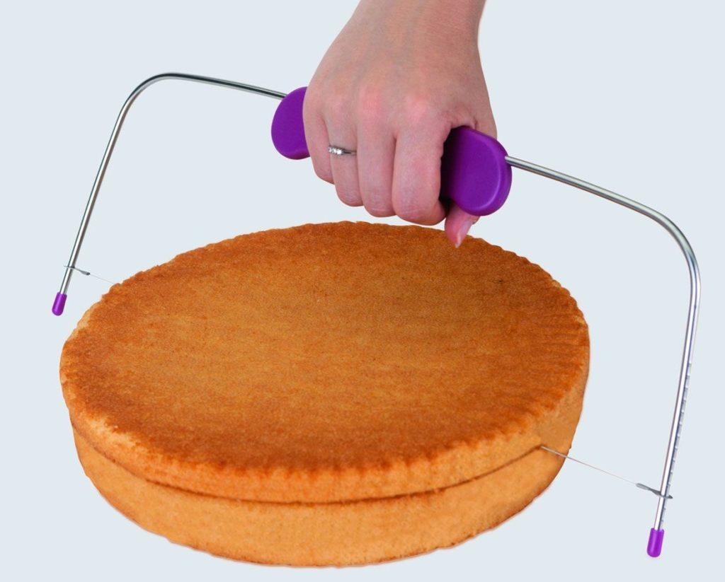 Нарезка бисквита струной-ножом