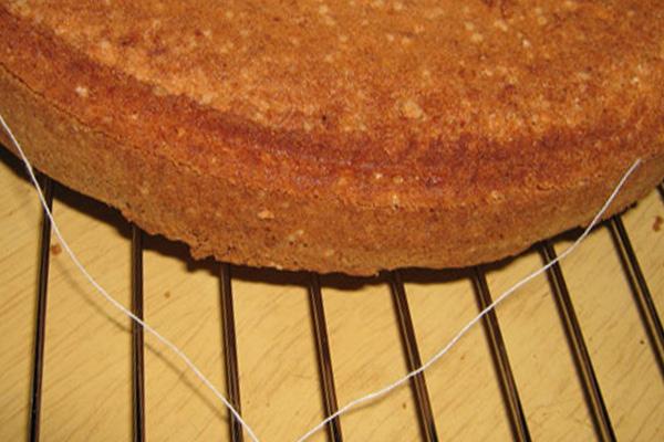 Бисквит с нитью