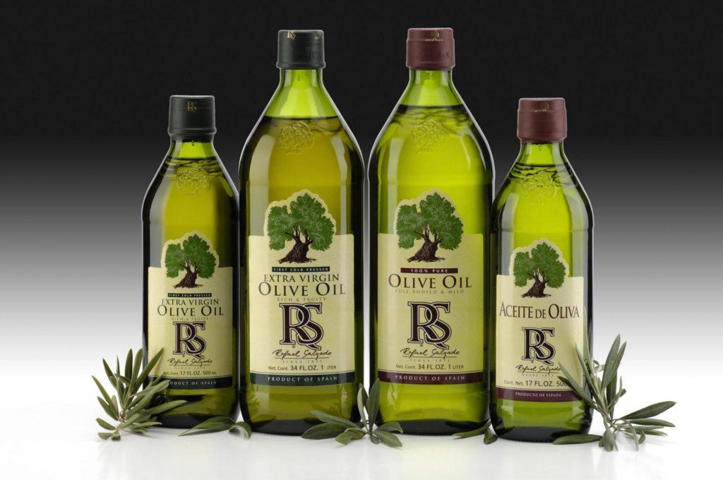 4 бутылки оливкового масла