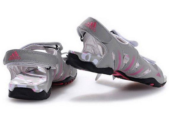модные сандалии 2013