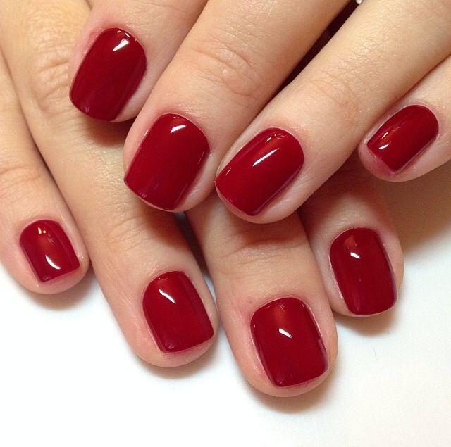 лак для ногтей цвета спелой вишни
