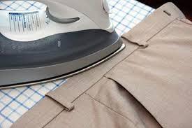 Утюг на поясе брюк