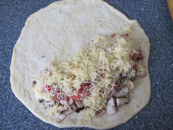 полуготовая пицца