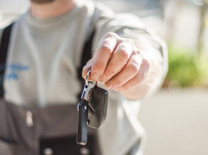аварийное открытие дверей автомобиля