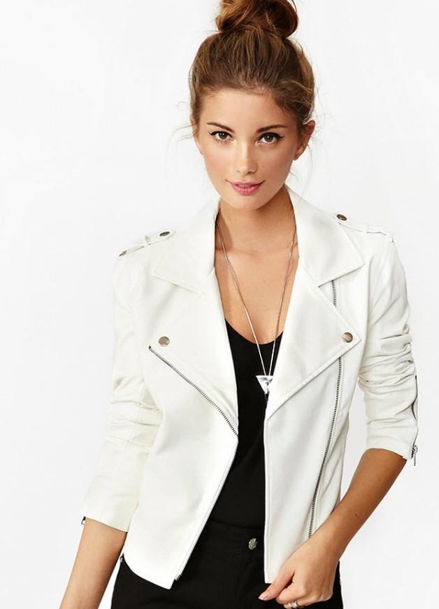 Белая кожаная куртка