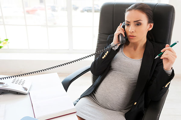 Беременная на работе