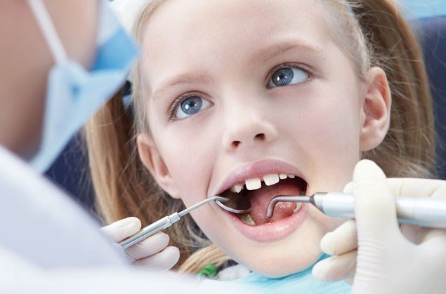 Как лечить молочные зубы если болит