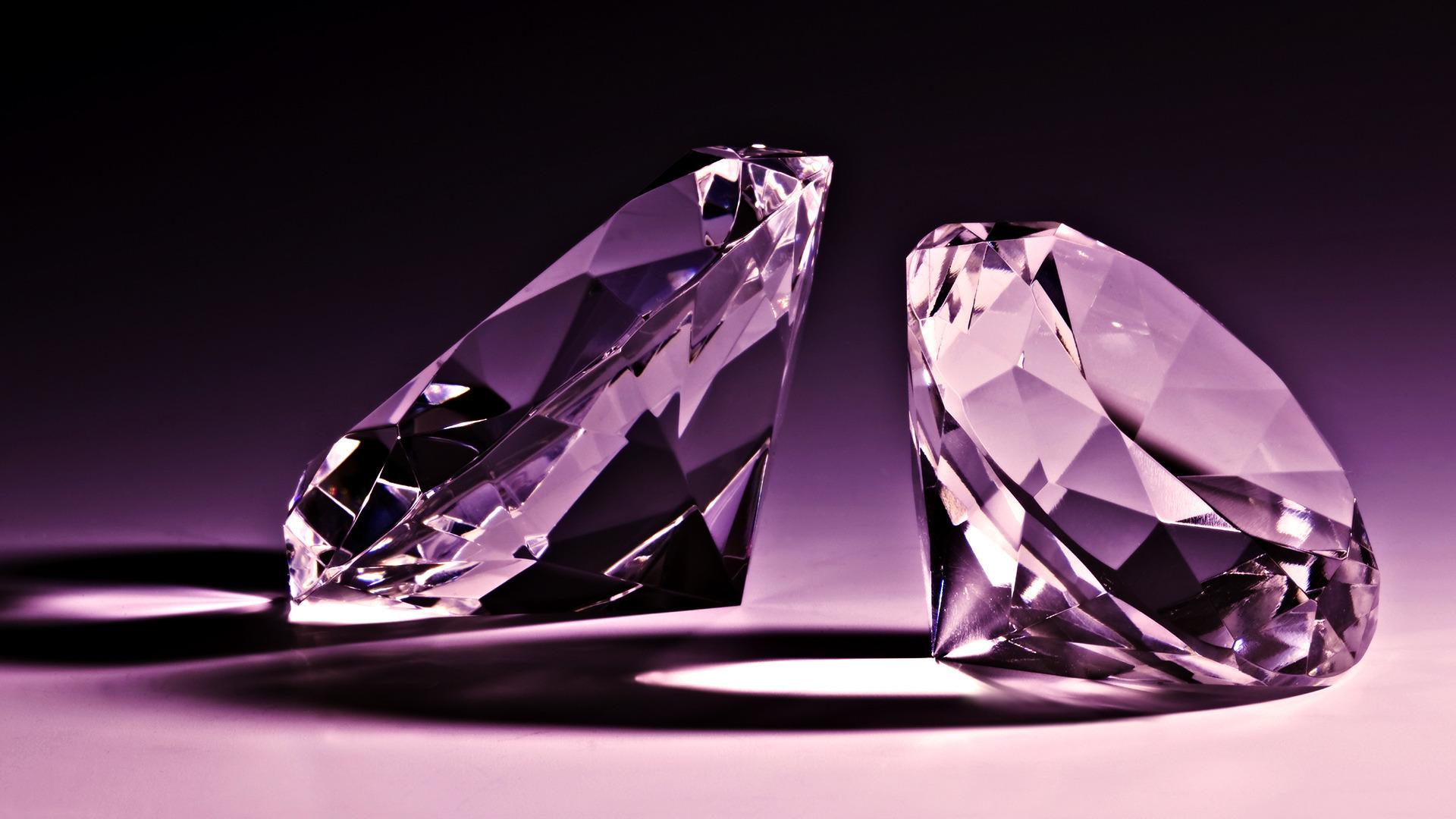 Смотреть Что предвещает алмаз во сне видео
