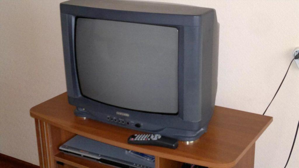 Телевизор с ЭЛТ-экраном