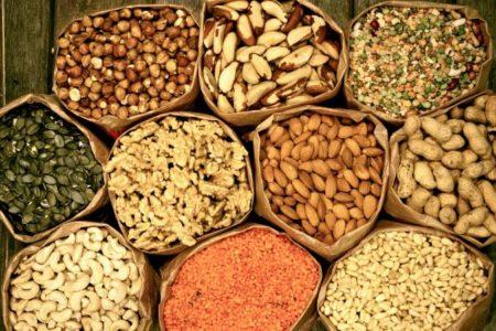 Как правильно очистить и хранить орехи