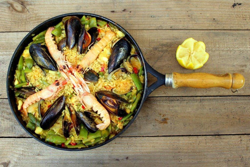 Испанское блюдо — паэлья