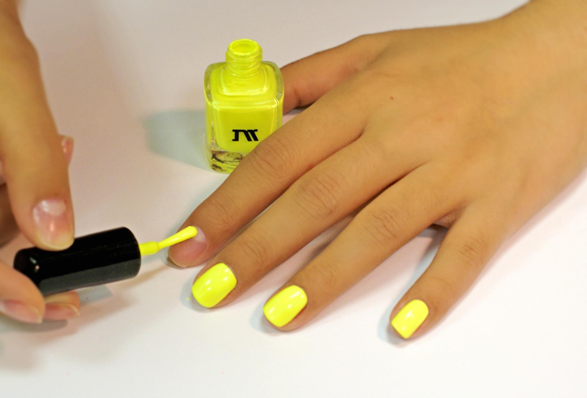Как сделать разноцветные ногти только из лаков