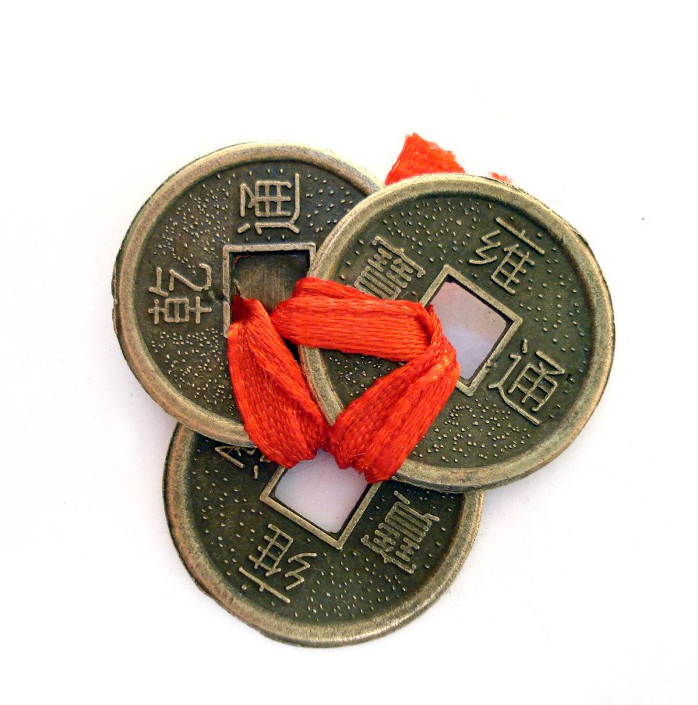 Амулет из китайских монеток