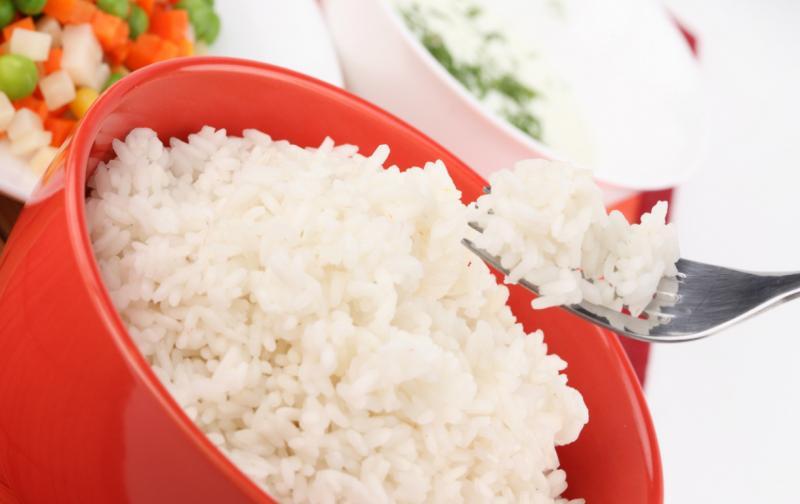 Красная миска с рисом