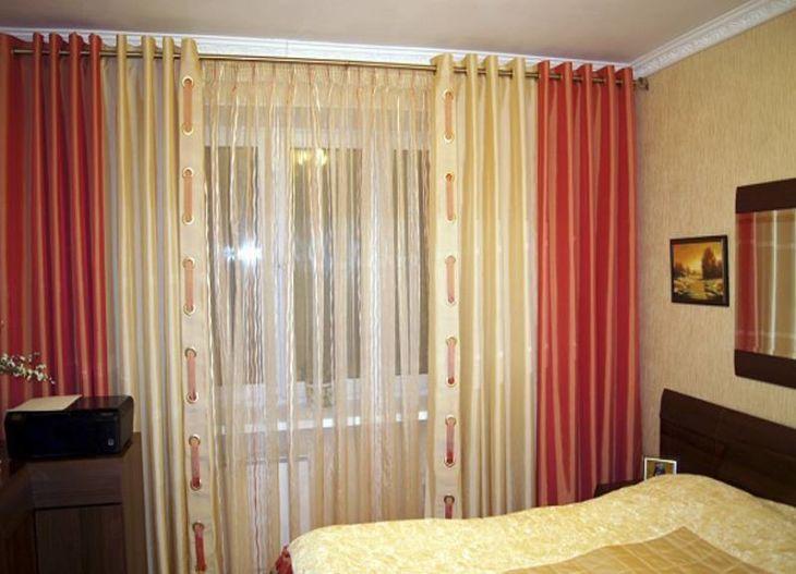Крепление штор в спальне при помощи люверсов