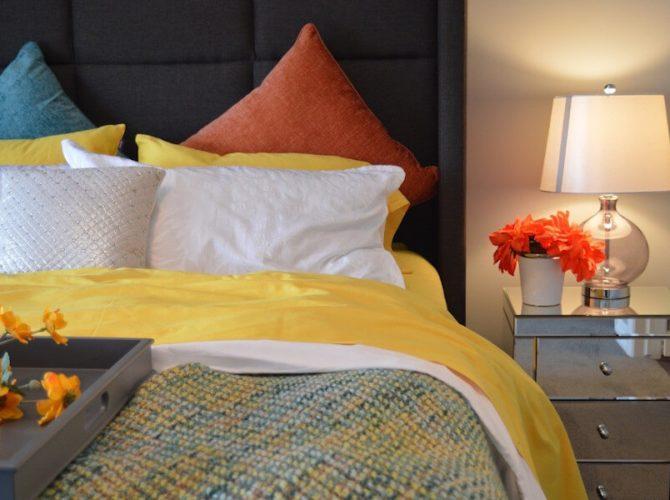 кровать двуспальная с мягким изголовьем купить
