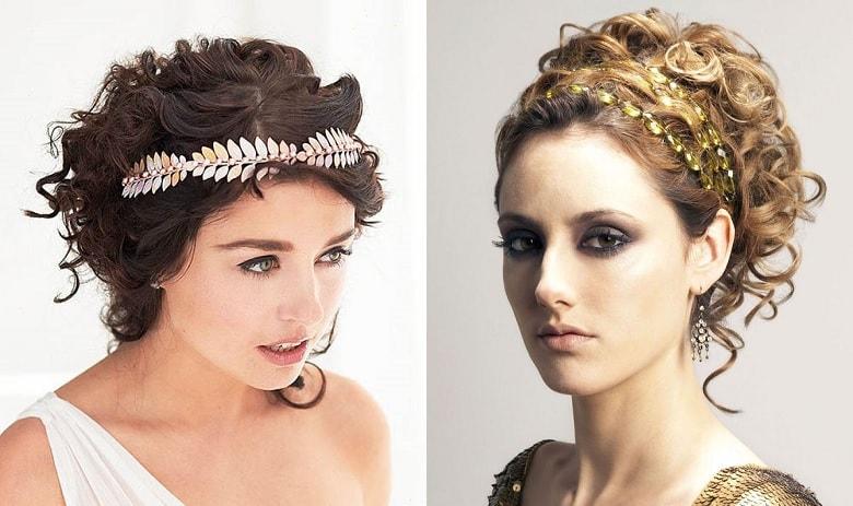 Девушки с греческими причёсками, украшенными аксессуарами