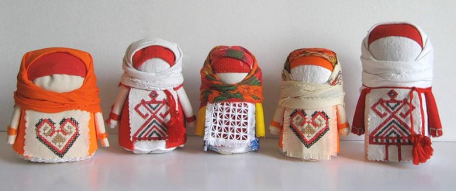 Куклы Крупенички с разными фартушками