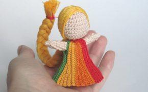 Вязаная кукла-оберег