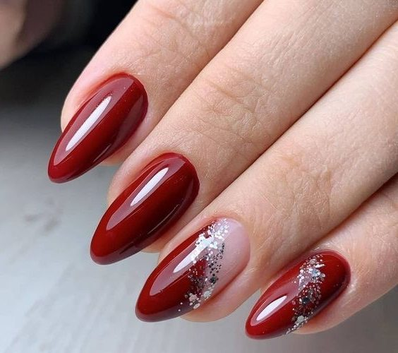 длинные миндалевидные ногти