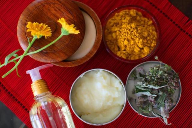 Ингредиенты для домашних масок с маслом персика