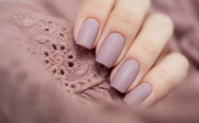 Матовый маникюр в нежно-розовом цвете