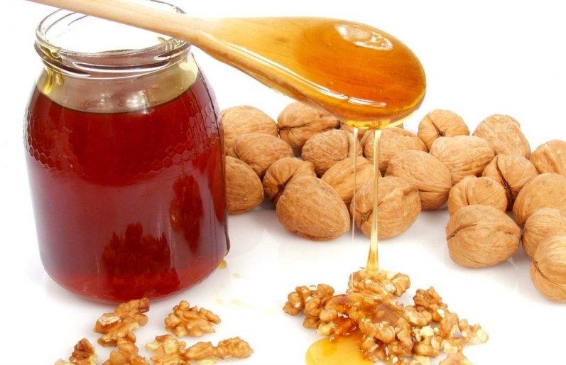 Мёд и орехи