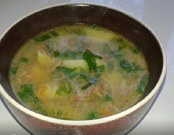 Миска супа с печенью