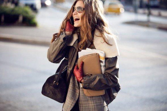 Большинство дизайнеров разрабатывают модели с учетом, что тонкий и длинный предмет гардероба будет носиться под более плотным. Поэтому каждый следующий слой
