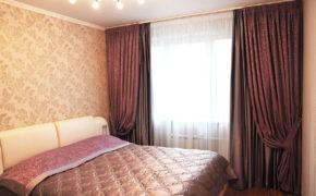 Многослойность оформления окна спальни