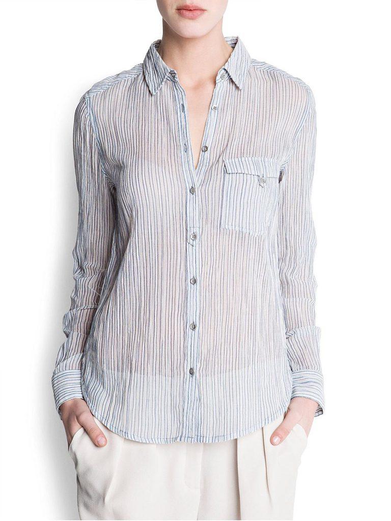 Модель в рубашке из ткани-крэш