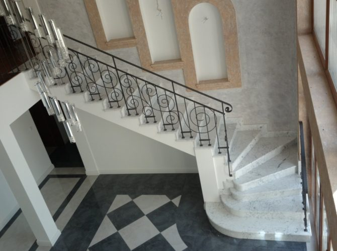 мраморные ступени для лестниц цена