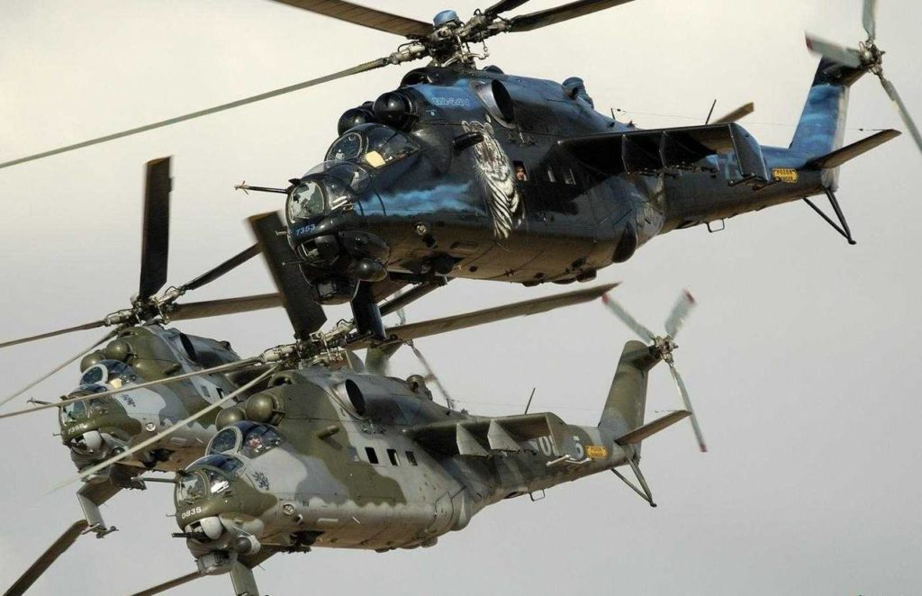 Несколько вертолётов