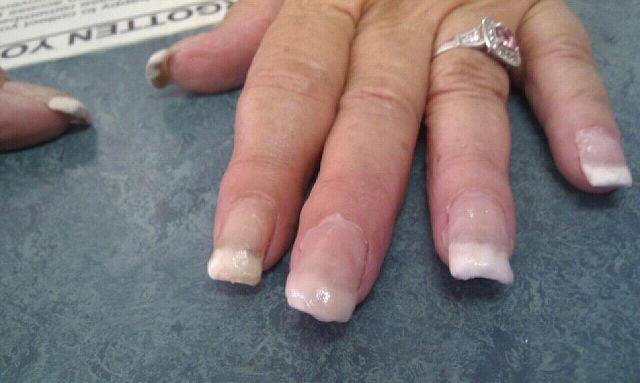 неудачно нарощенные ногти фото трахают попки