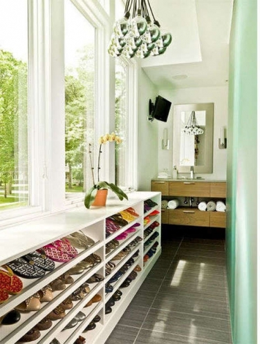 Обувь на балконе