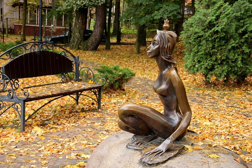 Памятник царевне-лягушке в Светлогорске