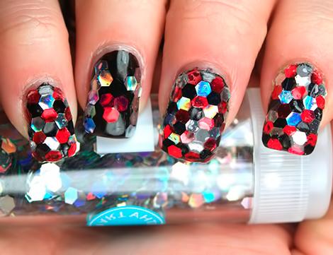 Пайетки на ногтях