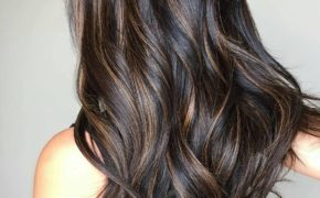 Легкий балаяж на темных волосах