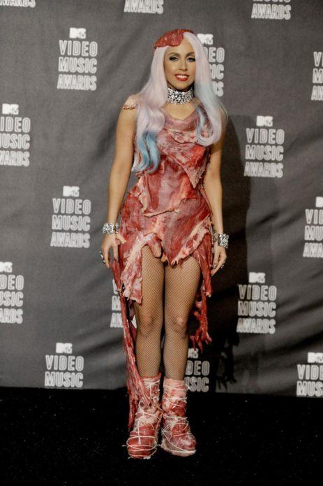 леди гага в костюме из мяса
