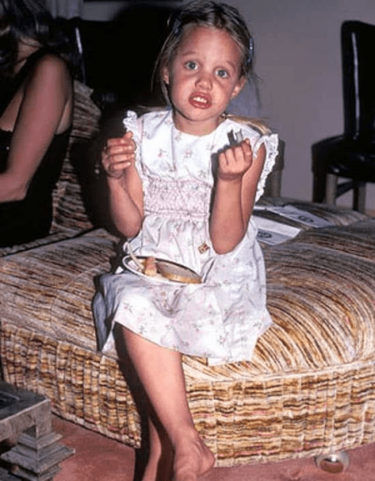 Анджелина Джоли в детстве