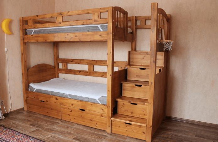 Двухъярусная кровать с лестницей-ящиками