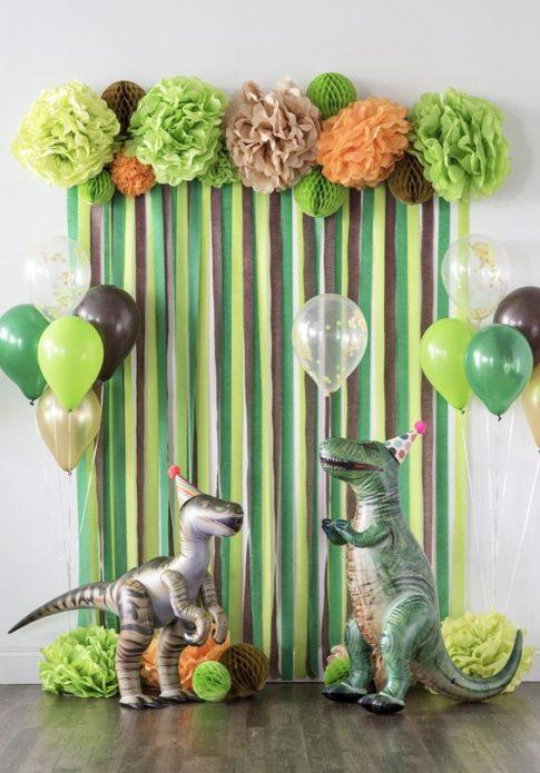 Воздушные шары в виде динозавров