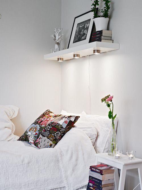 Полка над кроватью