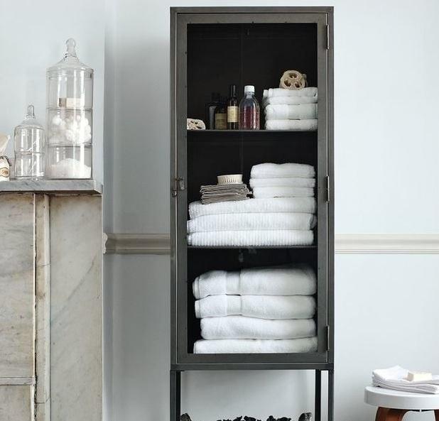 Шкаф для полотенец и мелочи