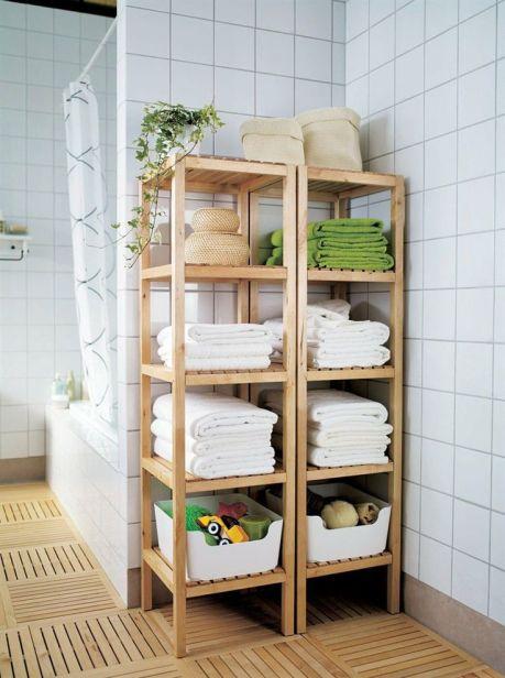Высокие деревянные шкафы