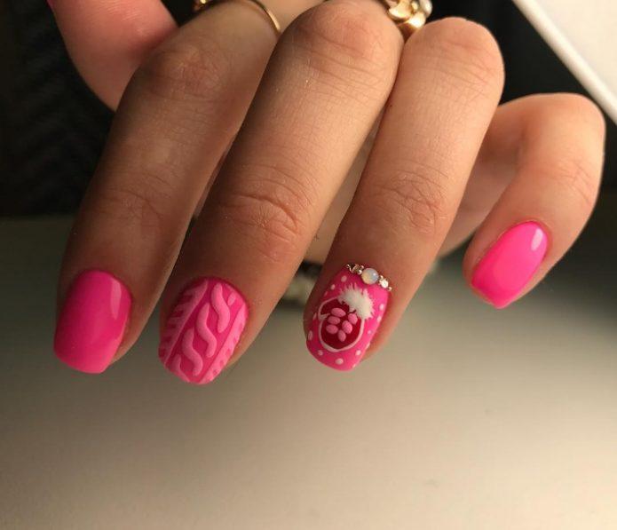 Яркий розовый