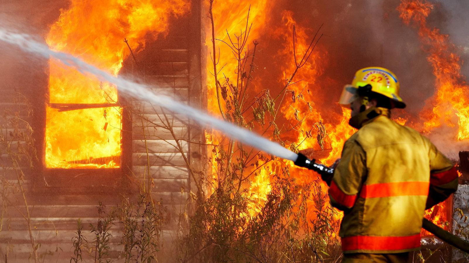 отделочных материалов пожарники тушат пожар картинки все серьезные отношения